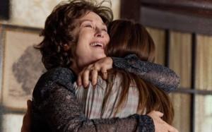 abbraccio-tra-meryl-streep-e-julia-roberts-madre-e-figlia